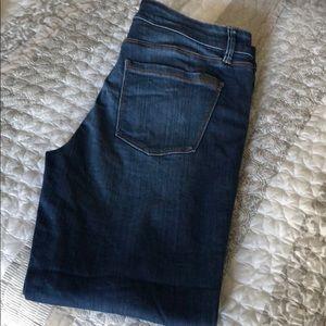 Slim ankle WHBM capri jeans